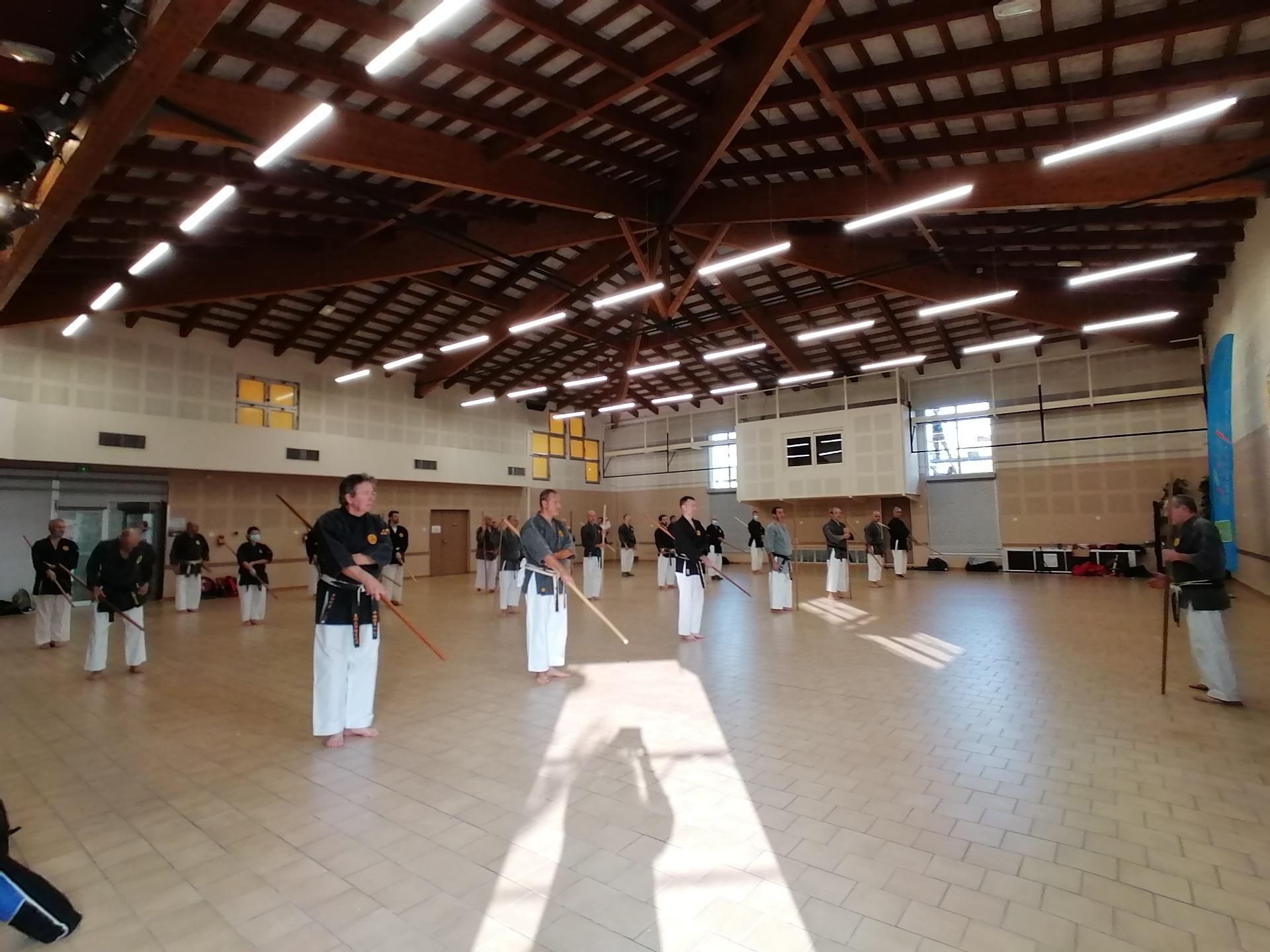 Stage kobudo Aubignan 2020 intérieur